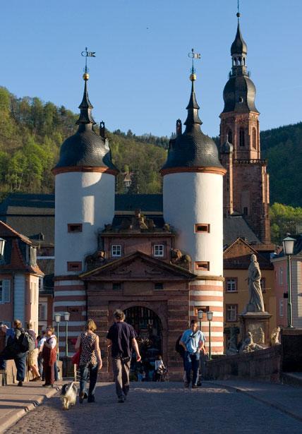 http://www.heidelberg-photo.com/Grafik/Heidelberg/Heidelberg-alte_Bruecke-01.jpg